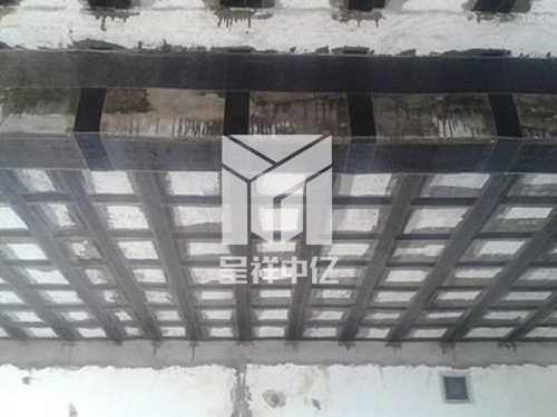 梁柱裂缝碳纤维加固